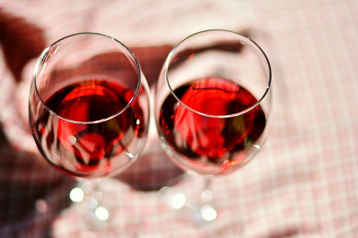 wine-glasses-2403116__480